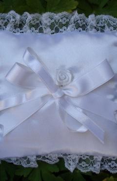 Pillows for rings
