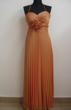Dress MERILIN color orange from 690lv. to 390lv.