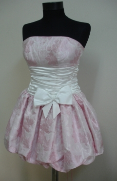 Dress buffan, color pink from 590lv. to 250lv.