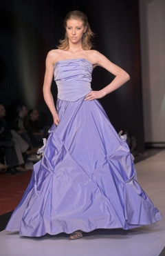 Dress Silk taffeta color blue from 1000lv. to 500lv.