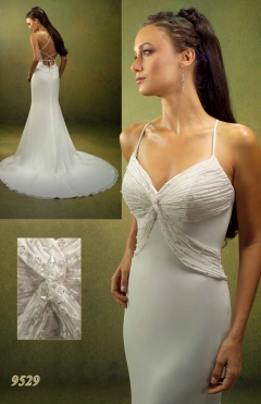 Dress VENUS 9529  from 1100lv. to 700lv.