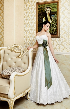 Dress Lilia white from 1399lv. to 1000lv.